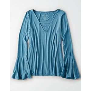 AMERICAN EAGLE Soft and Sexy blue flare sleeve top
